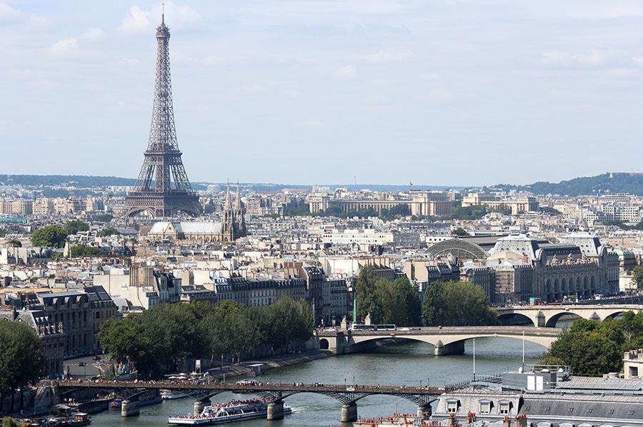 La prochain  français  supports de bureau  prendre  leurs positions dans Mai.