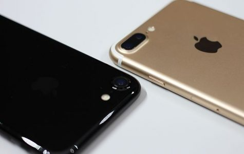 The new iPhone 7 pictured in black and gold.