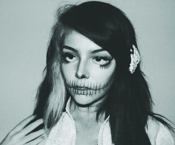 Autumn+applied+her+own+Halloween-inspired+makeup.+