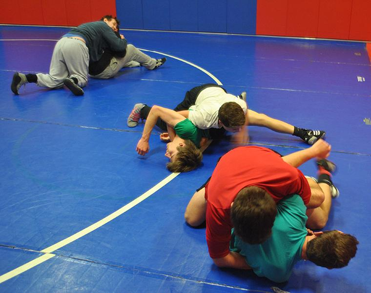 Neshaminy%27s+wrestling+team+practices+in+the+wrestling+room.